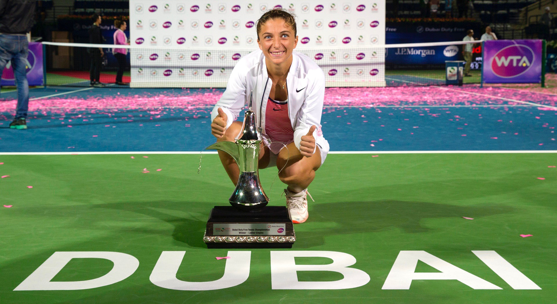 dubai-2016-wta-final-errani-trophy-wta